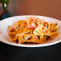 Une recette toute simple,Pâtes Papillons Complètes Sauce Yaourt ciboulettes et Basilic