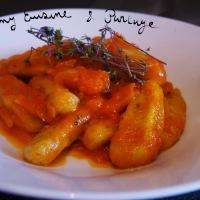 Gnocchis improvisés, à la farine complète, sauce tomate et gingembre