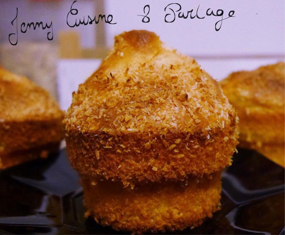 Petits gâteaux moelleux  au yaourt parfum banane/coco