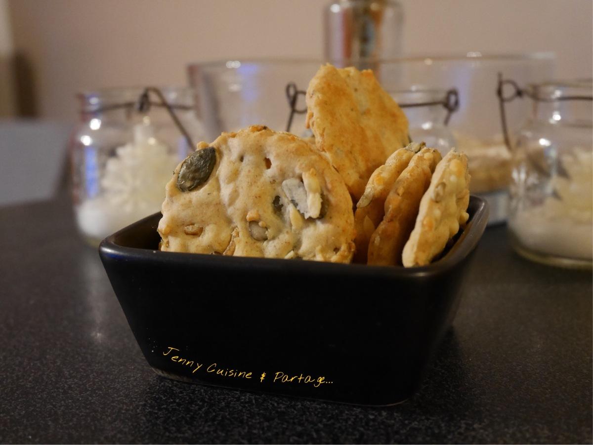 Croustillants et gourmands, en avant les crackers au fromage et aux graines !